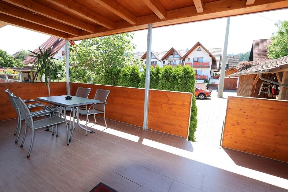 Ferienwohnung 400 Terrasse