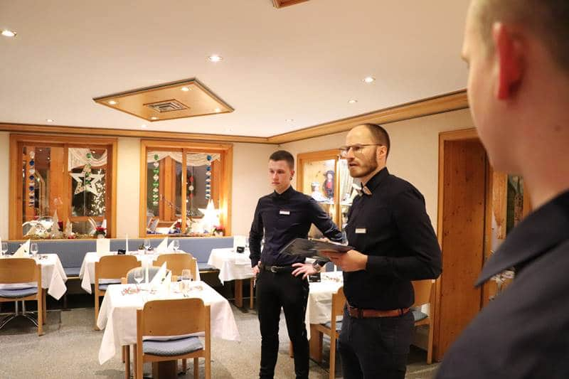 Servicebesprechung mit Philipp Lehmann und Serviceleiter Norman Donrbrack