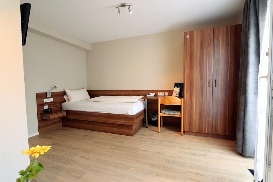 Einzelzimmer 405 Ansicht Bett